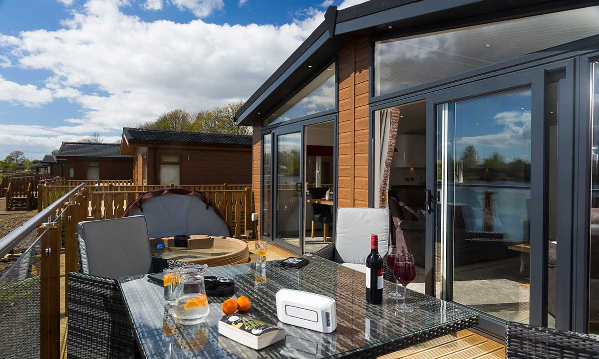 lakes lodges